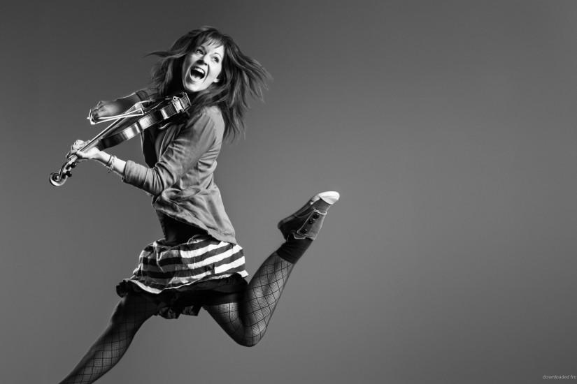 Lindsey Stirling Grayscale Jump for 1920x1080
