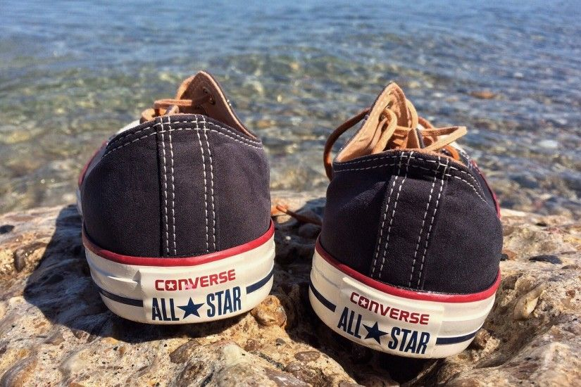 black converse all star chuck taylor low tops preview