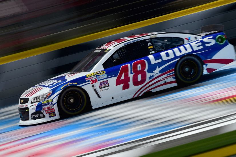 Jimmie Johnson going to backup car after spinning into grass | NASCAR |  Sporting News