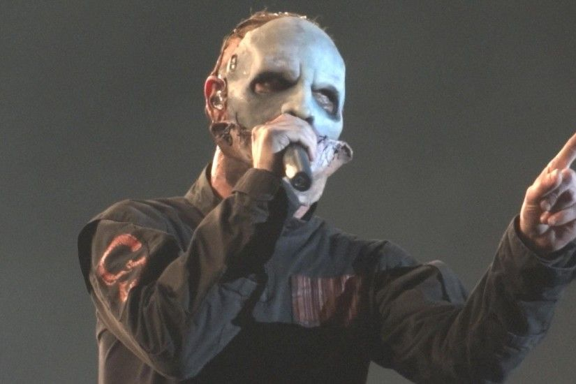 Video: Corey Taylor has fan ejected from Slipknot concert in Concord... -  Loaded Radio