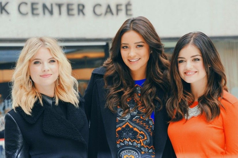 HD-Pretty-Little-Liars-Photo-1-1