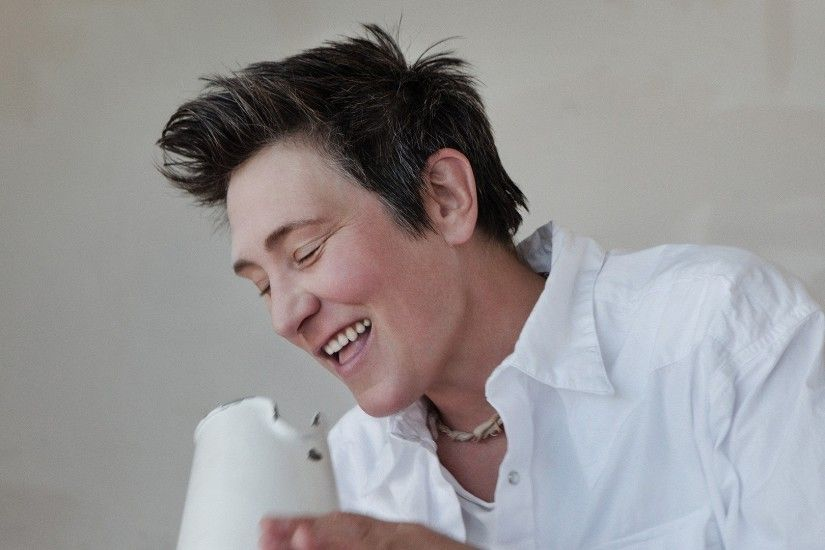 Get the latest kd lang, smile, teeth news, pictures and videos and learn  all about kd lang, smile, teeth from wallpapers4u.org, your wallpaper news  source.
