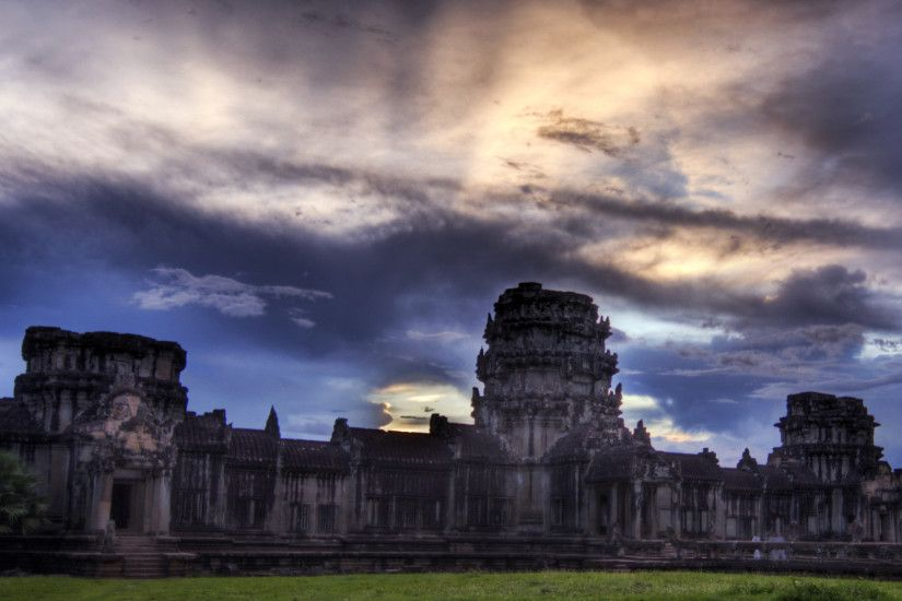 sunset at the gatehouse at angkor wat 2560×1440 Wallpaper HD
