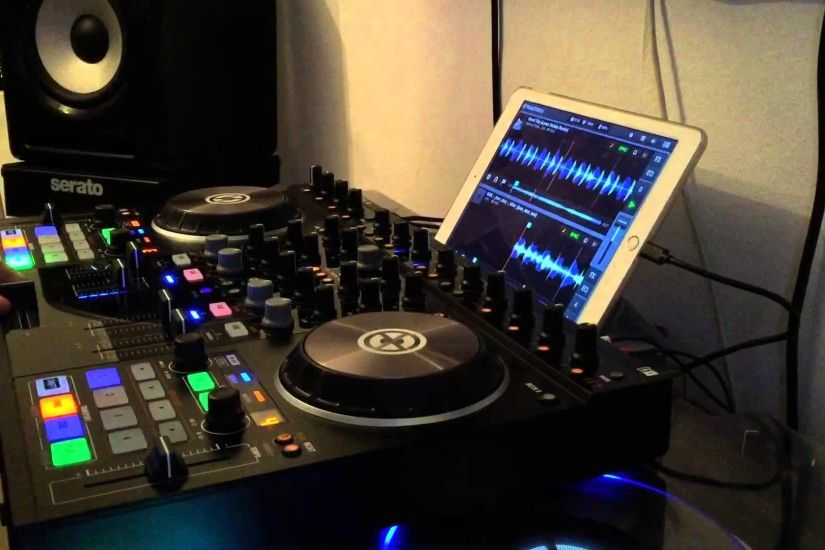 Native Instruments Kontrol S4 MK2 + Traktor DJ App für Apple iPad, Test und  Funktionen - YouTube