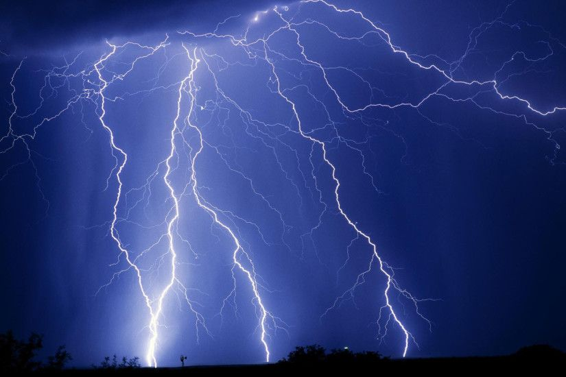 Lightning Wallpapers HD (43 Wallpapers)