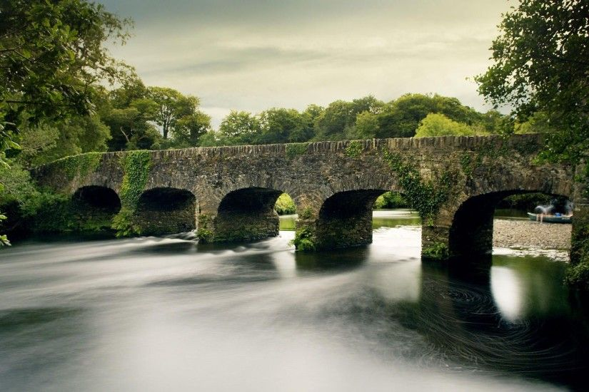 KILLARNEY NATIONAL STONE BRIDGE, IRELAND