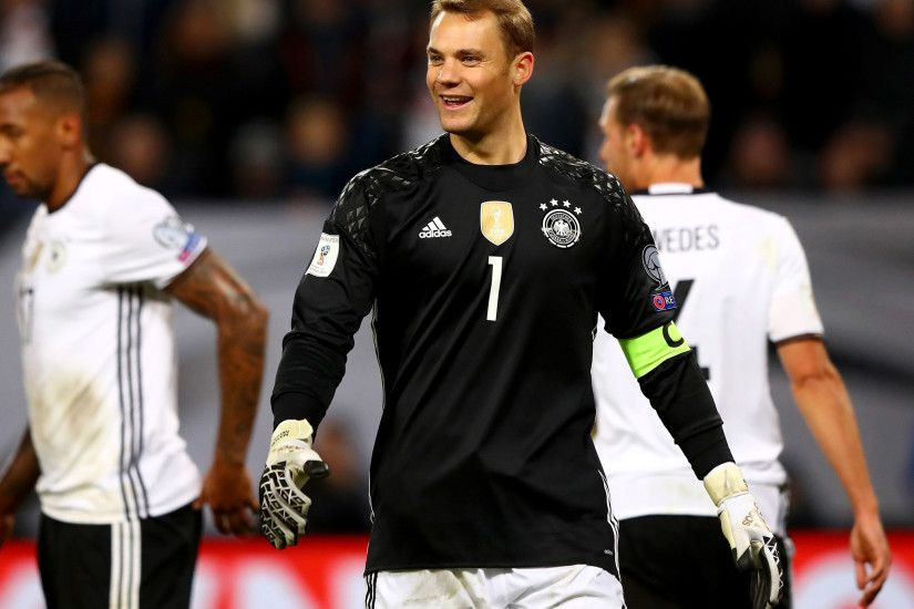 Germany vs Czech Republic: Manuel Neuer kicks himself in the face to leave  world's best goalkeeper embarrassed | The Independent