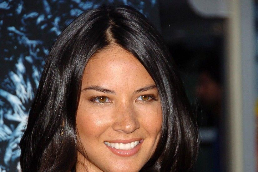 Lisa Olivia Munn Wallpapers