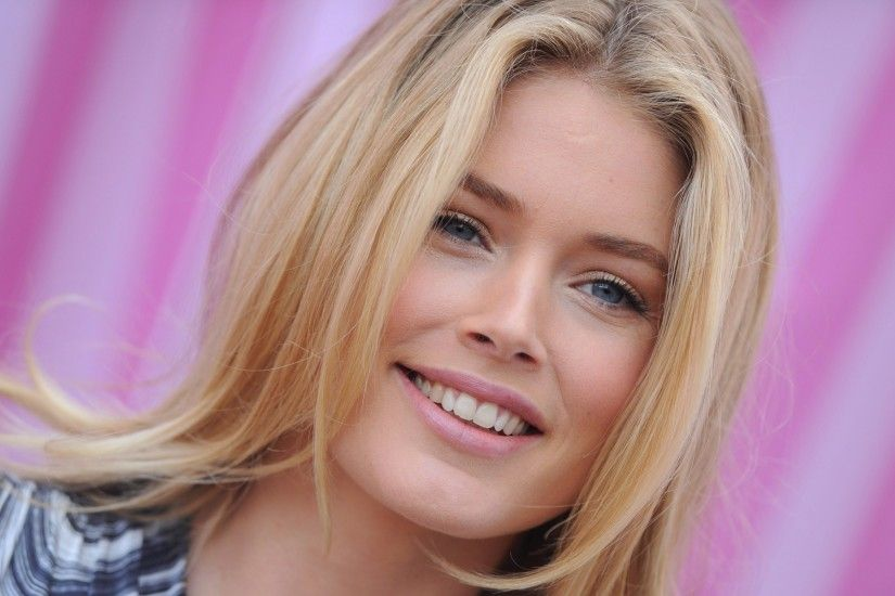 Celebrity - Doutzen Kroes Wallpaper