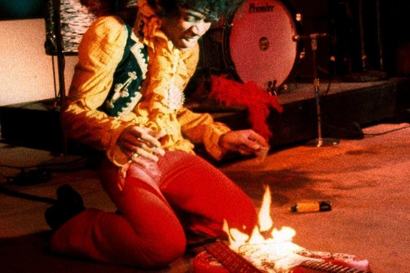 Jimi Hendrix setting his guitar on fire at the Monterey Pop Music Festival  in 1967 [1920x1080] ...