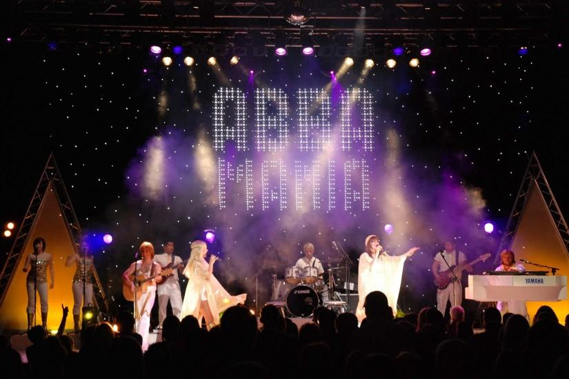 Abba-Mania-full-stage-Abba-Mania-background