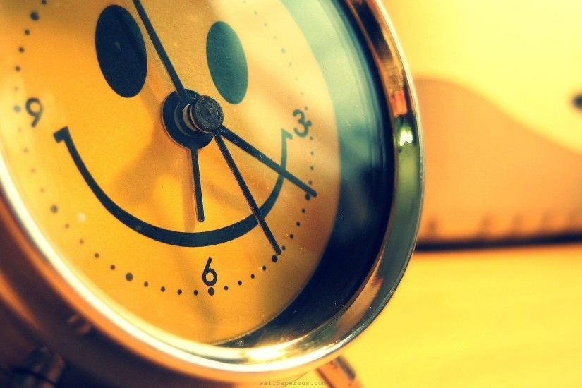yellow-happy-smiley-face-alarm-clocks-abstrack-picture-smiley-faces-hd- wallpaper