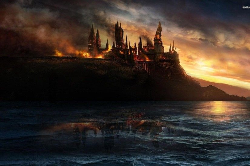 Hogwarts Castle on fire - Harry Potter and the Deathly Hallows Part 2  1920x1200 wallpaper ...
