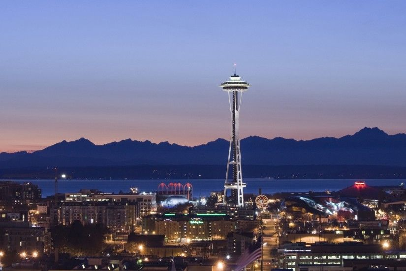 Preview wallpaper tower, seattle, evening, united states of america  2560x1440