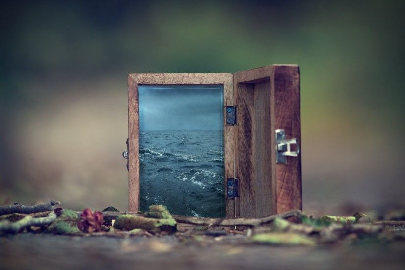 surreal bokeh water box
