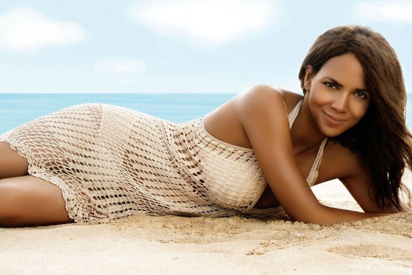 Halle Berry | Halle Berry Widescreen Wallpaper - Halle Berry .