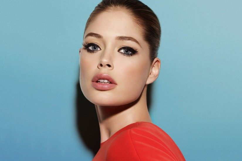 ... Doutzen Kroes HD Wallpaper 2880x1800