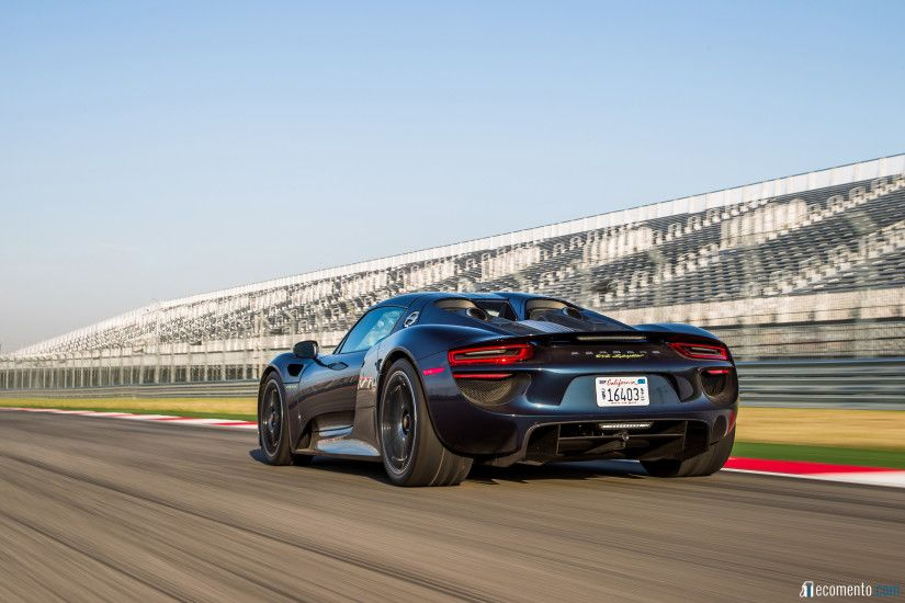 Download full size Porsche 918 Spyder wallpaper