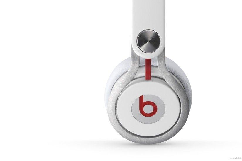 Beats by Dre Mixr White Side picture