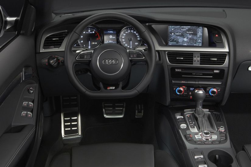 Audi RS5 Interior Wallpaper