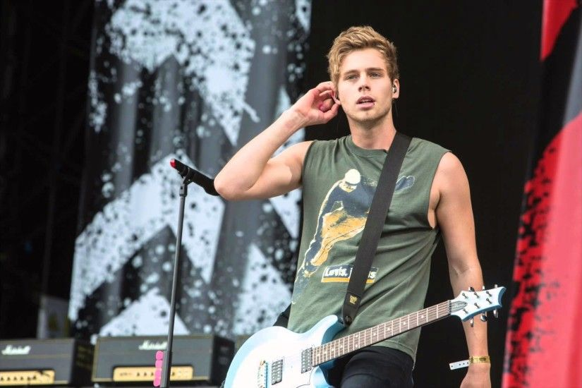 Luke Hemmings (5SOS) Full Interview - BBC Radio 1 with Scott Mills (20/8/15)