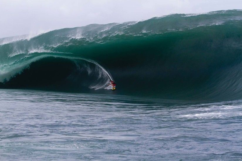 "Known as ""the heaviest wave in the world"", Teahupoo (cho-poo"