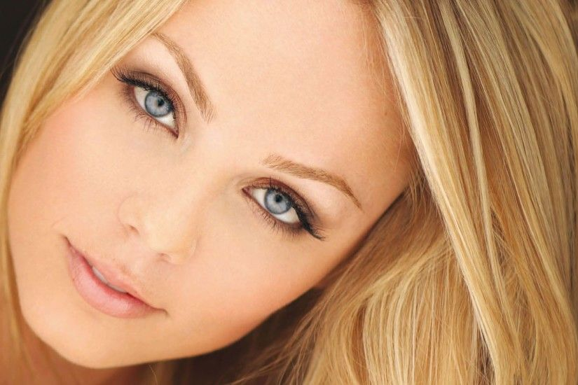 Eyes of Laura Vandervoort HD wallpapers