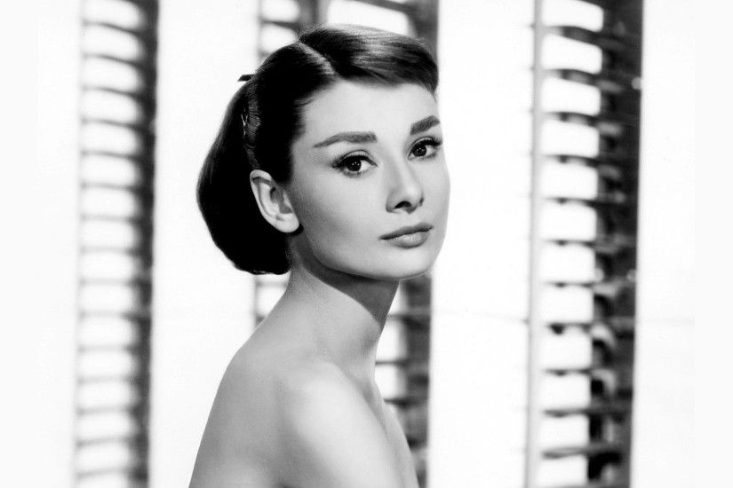 ... Audrey Hepburn HD Wallpaper 2560x1600