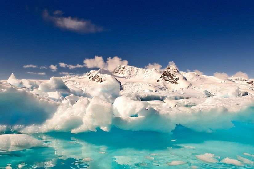 Antarctica Melting Snow Mountain Wallpaper