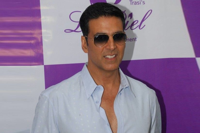 Check out some of the sexiest Akshay Kumar Hd Wallpapers
