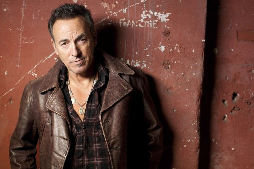 1920x1080 Wallpaper bruce springsteen, chain, jacket, face, wall
