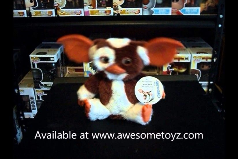 Gremlins Gizmo Dancing Plush with Sound NECA