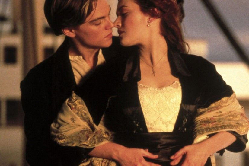 Kate Winslet and Leonardo DiCaprio in Titanic Pictures | POPSUGAR Celebrity