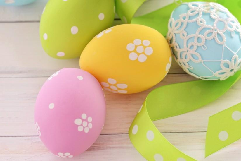 Rabbit easter eggs · Easter eggs background · Easter eggs ...