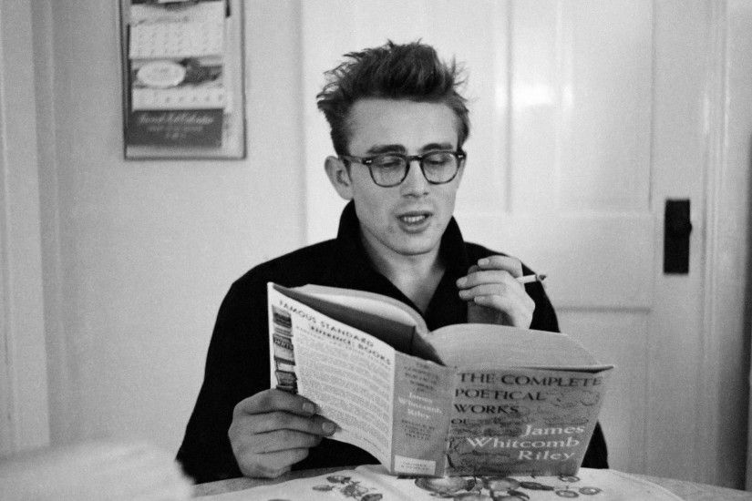 BOTPOST[BOT] James Dean at the breakfast table ...