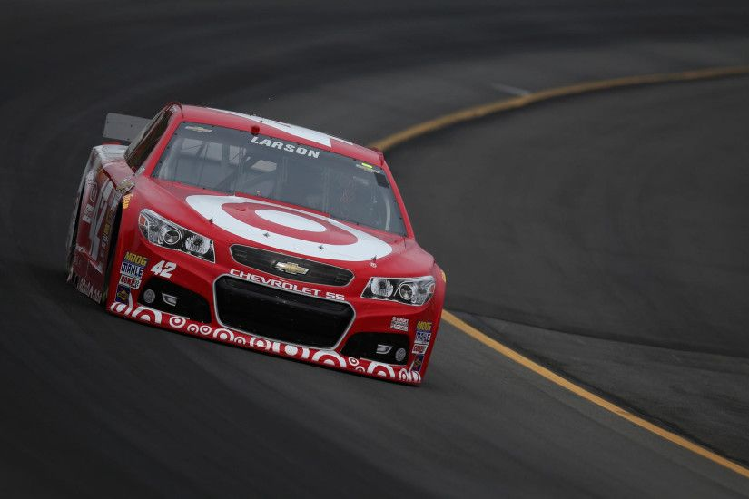 Kyle Larson sets mark for top speed in qualifying at Pocono Raceway.