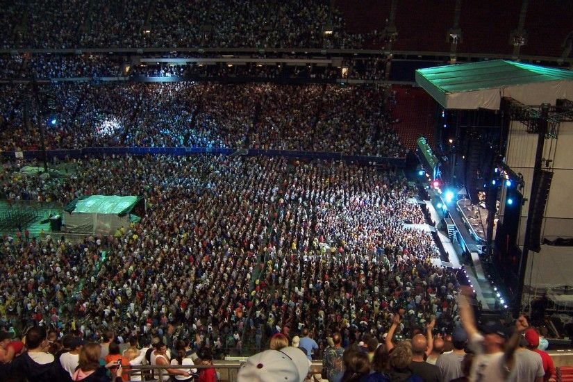 File:MagicTourGiantsStadiumBTR.jpg - Wikimedia CommonsBruce Springsteen  Wallpaper Born To Run