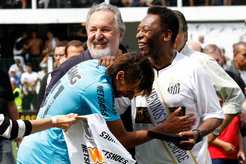 Brazil's past and present: Pele and Neymar at a Santos FC commemoration  match in 2012