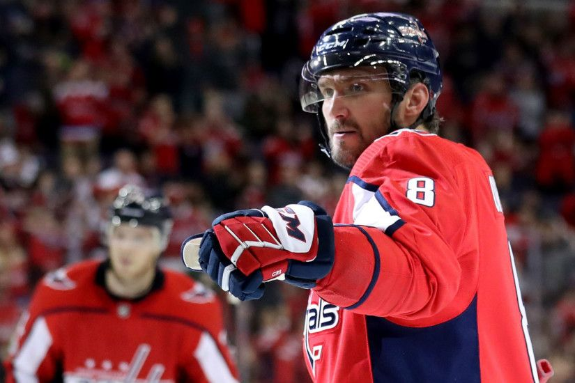 Alex Ovechkin, 32, ages into goal-scoring glory at historic pace | NHL |  Sporting News