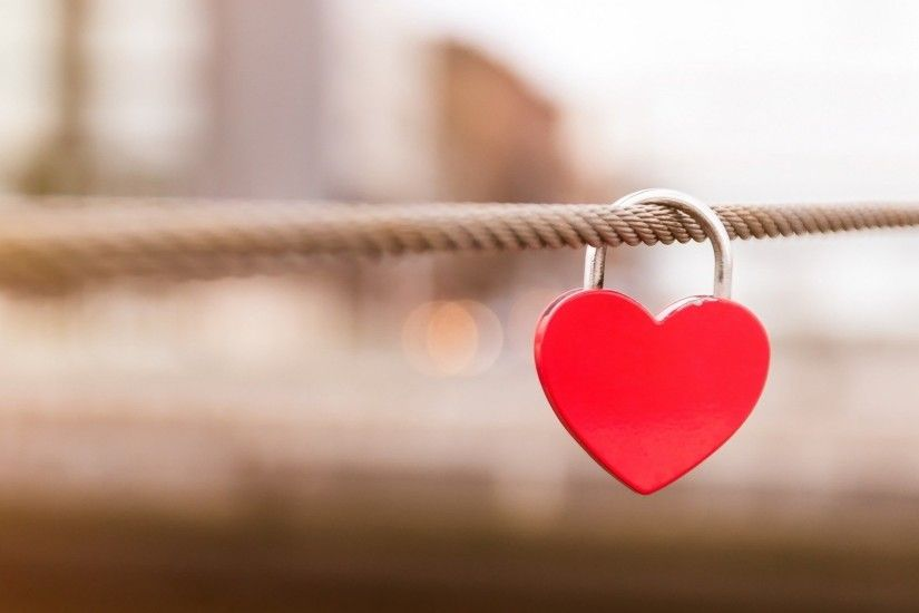 Love-lock-hanging-nice-love-wallpaper