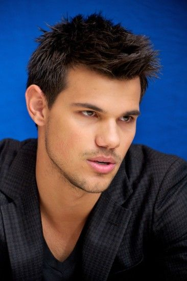 Taylor Lautner High Quality Wallpaper