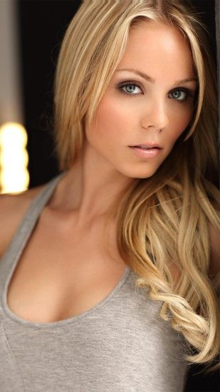 Laura Vandervoort htc one wallpaper