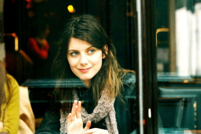 Download Wallpaper · Back. paris melanie laurent ...