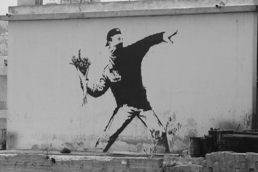 full size banksy wallpaper 2816x2112 for macbook