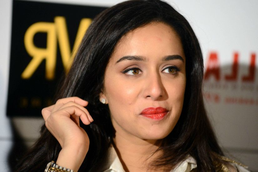 Here is a collection of the cute and bubbly Shraddha Kapoor images: