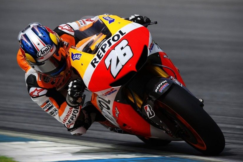 motogp-racing-wallpaper-background-hd-21