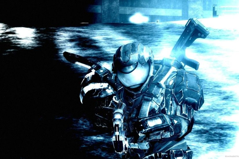 HD Master Chief in Blue Background wallpaper