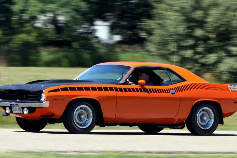 Download Plymouth Hemi Cuda Wallpaper