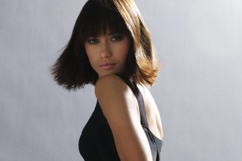 Olga Kurylenko widescreen for desktop