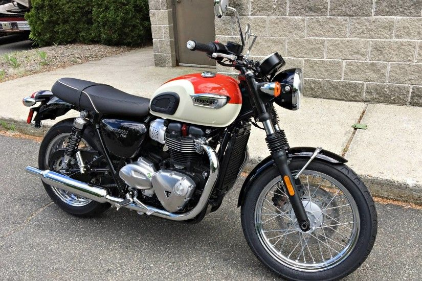 2017 Triumph Bonneville T100 in Enfield, Connecticut